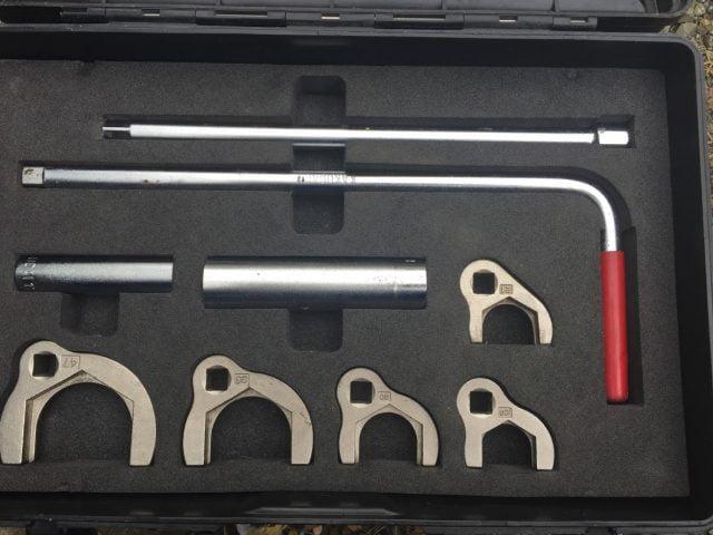 立形金具しめつけ工具