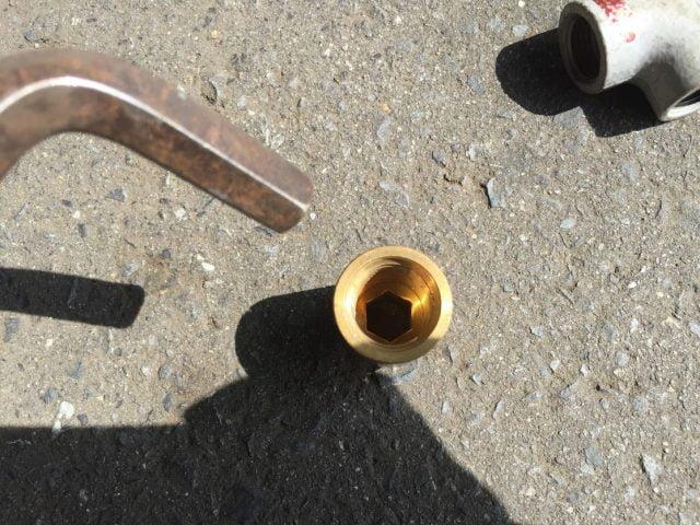 混合水栓の交換トラブル