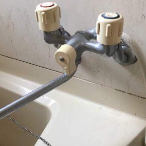 壁付混合水栓交換