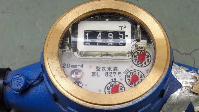 水道メーターで漏水確認