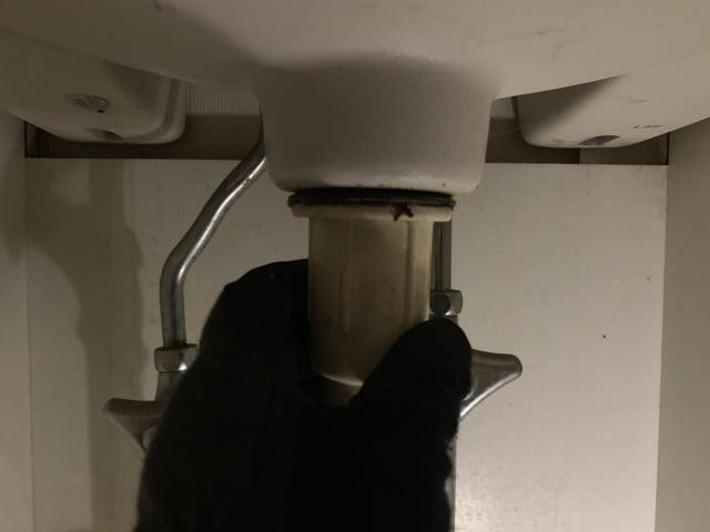 洗面台排水Sトラップホース交換